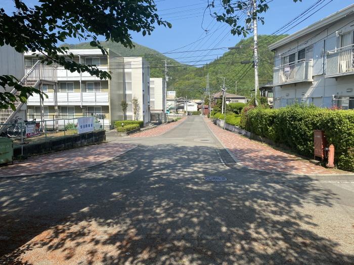 田野倉駅前